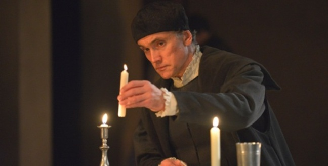 WOLF HALL. Ben Miles (Thomas Cromwell).  Photographer Keith Pattison.